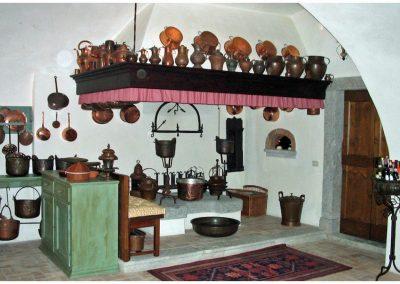 restauro-ed-arredo-di-un-palazzo-cinquecentesco-a-ville-del-monte-cucina