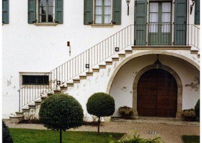 restauro-ed-arredo-di-un-palazzo-cinquecentesco-a-ville-del-monte-faccata